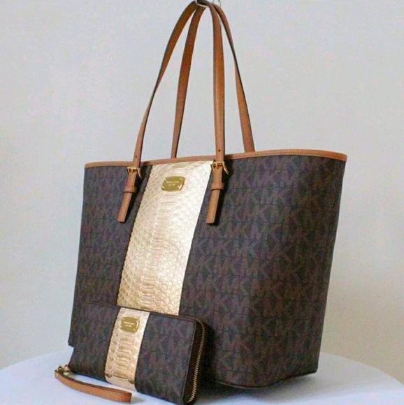 654088142eaa4 promo code for nwt michael kors blue steel stud carryall tote bag ...